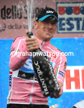 Bradley Wiggins imposed himself as the first race-leader in this 2010 Giro d'Italia...