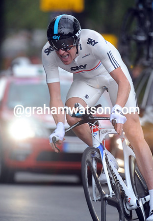 Bradley Wiggins turned on the power to win todays first stage at a speed of almost 49-kilometres-per-hour..!