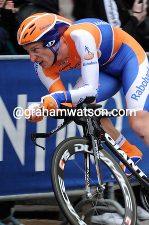 Jos Van Emden took 9th place for Rabobank and The Netherlands - he lost nine-seconds...