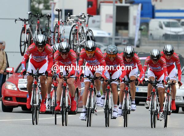 "The Acqua Sapone team placed 21st at 2'39""..."