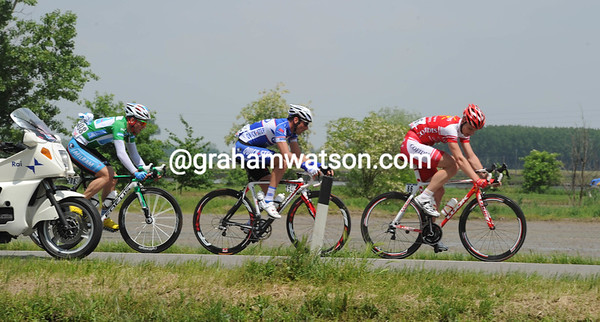 Three men are in pursuit - Jerome Pineau, Julian Fouchard and Paul Voss...