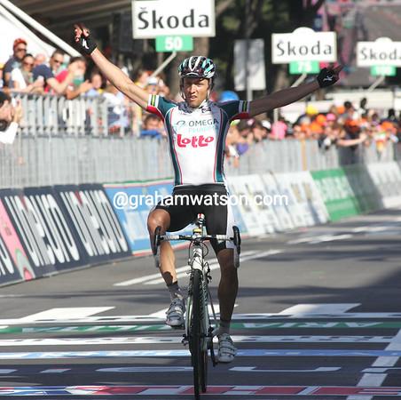 Matthew Lloyd wins stage six into Marina di Carrera - it's the biggest win of his career..!
