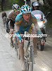 Vinokourov senses the opportunnity as well and accelerates even more...