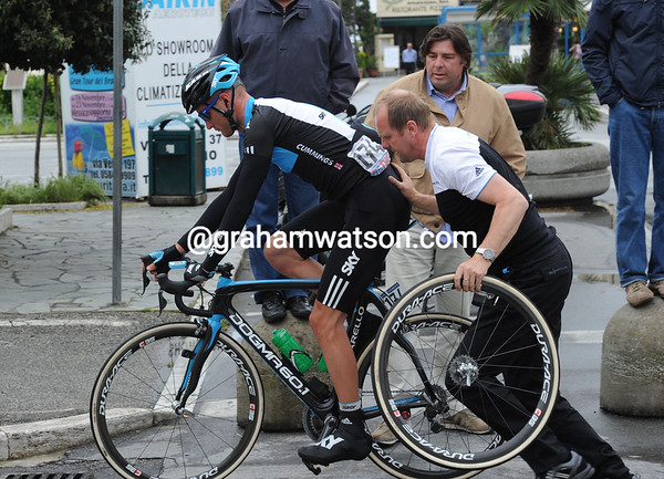 Steven Cummings recovers from a flat tyre - a big day is planned by Sky...