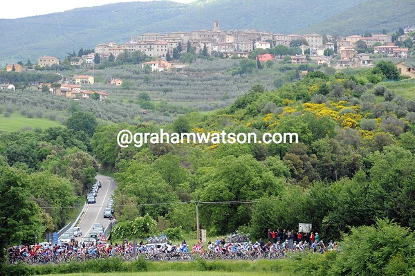 The Giro is in Tuscany again - even if the skies are dark it is still a spectacular region...