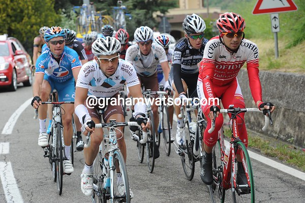 An escape has been let loose - and David Moncoutie leads it instead of being at the back of the peloton today..!