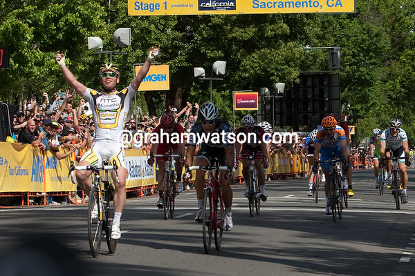 Mark Cavendish wins the first stage of the 2010 Amgen Tour of California