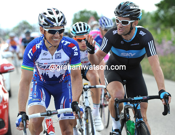 Twitter friends but sprinting rivals, Robbie McEwen and Greg Henderson share a joke before their day gets more serious...