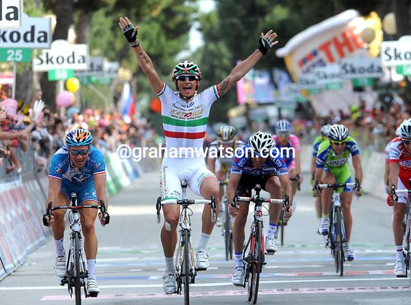 Forza Italia! Filippo Pozatto has won stage twelve into Porto Recanati..!