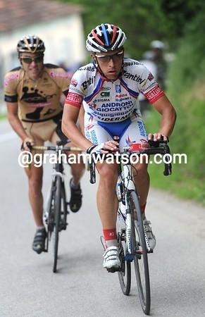 Rubens Bertogliati has a small advantage over the top of the next hill...