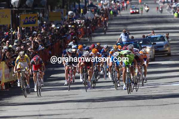 It has come down to a bunch sprint of sorts, Sagan on the right, with Zabriskie and Leipheimer on the left...