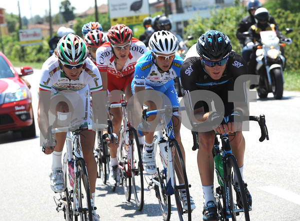 After some ferocious racing, six riders have gone clear at 50-kilometres, led by Filippo Pozatto and Steve Cummings...