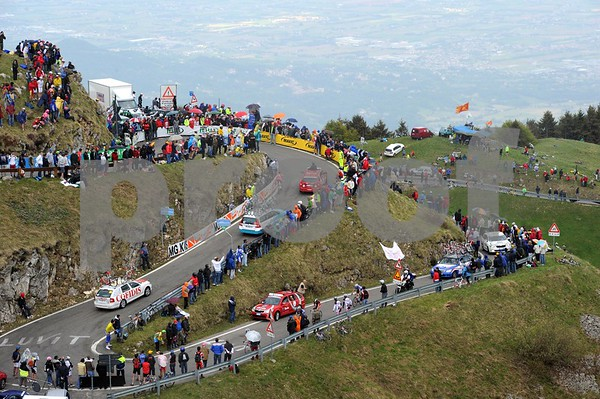The Monte Grappa has not been climbed by the Giro in over 20 years - that's why so many fans are near its summit...