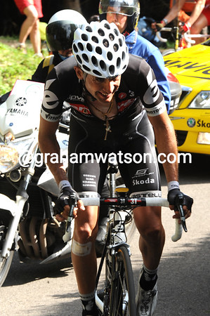 Sastre has worked his way up the climb quite well - the Spaniard will take 6th on the stage and move up to 4th overall...
