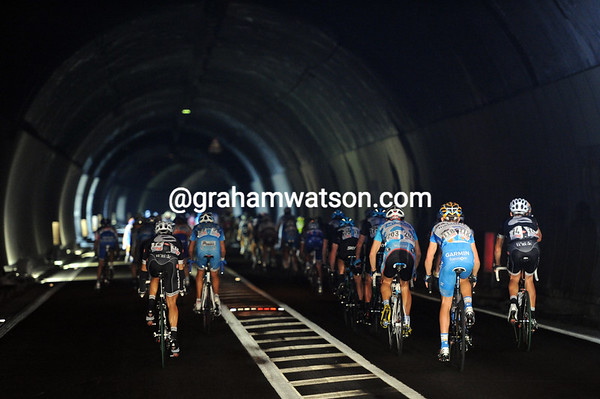 More tunnels today - the peloton skirts the shores of Lake Iseo at 60-kilometres-per-hour..!