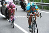 On safer roads, Vinokourov and Arroyo descend at speed in pursuit - but they'll be caught from behind by Evans and Gadret and Sastre...