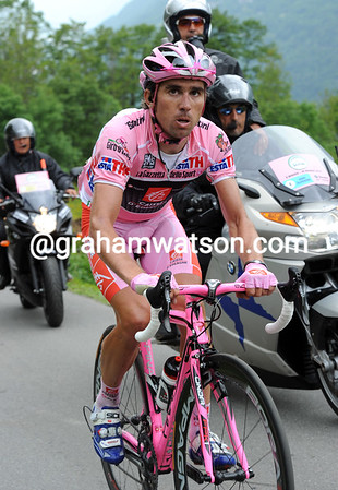 Arroyo is setting a pace that he hopes will keep him in Pink for another day...