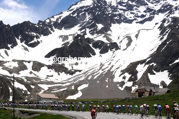 The speed is mightily high on this mighty peak in the French Alps..!