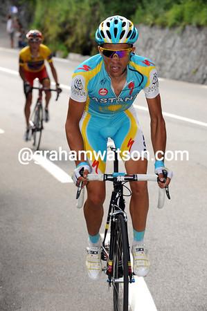 Contador's second attack unseats everyone except for Brajkovic...