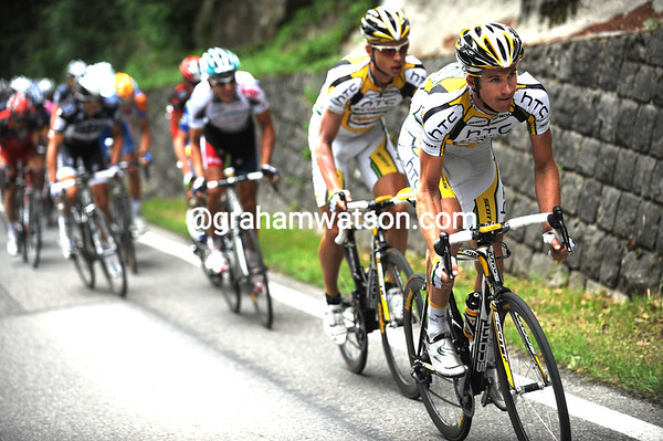 Michael Rogers is leading out an uphill sprint for Tony Martin on the last climb...
