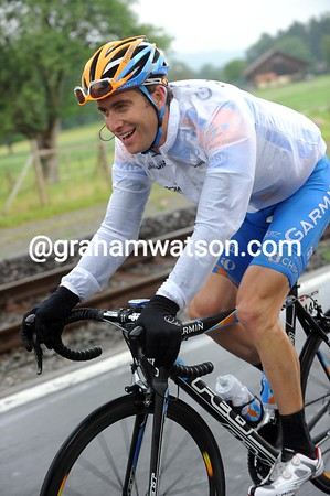 Christian Vande Velde finds something to laugh at - maybe himself..?