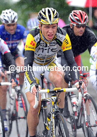Tony Martin doesn't look too comfortable today - is the race-leader feeling the pressure..?