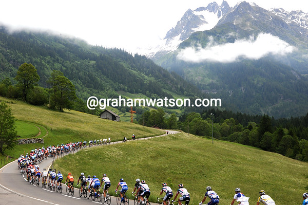 The peloton races up the lower slopes of the Sustenpass in pursuit of a big escape...