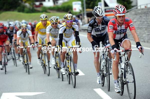 Matti Breschel leads the chase for Saxo Bank, but HTC Columbia are chasing as well...