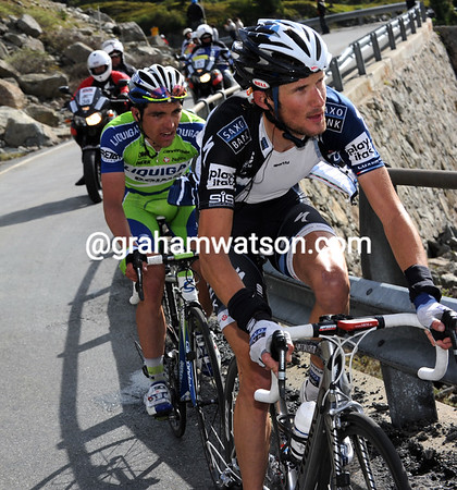 Frank Schleck has gone after Gesink, he has Zaugg on his wheel, just...