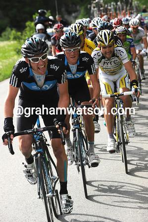 Team Sky has Nordhaus and Pauwels chasing on behalf of Thomas Lovkvist...