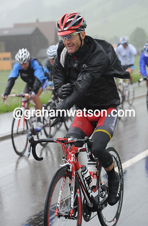 In such circumstances, Levi Leipheimer knows its best to smile...