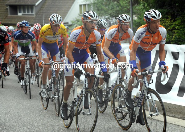 Rabobank is still escorting Gesink as the final hills begin...