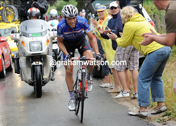 Chavanel has jumped away on the Stockeu, but his chances of staying away are slim...