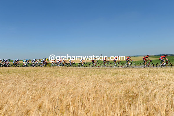 The peloton is heading south in pursuit of a five-man escape - led by Radio Shack...