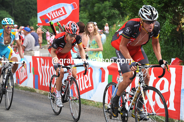 Armstrong and Leipheimer seem to be making a jump against Contador with five-kilometres to go...
