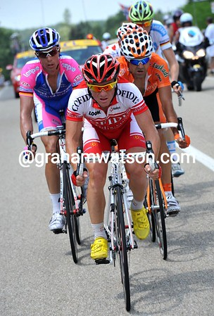 Samuel Dumoulin is leading six riders away right from the start...