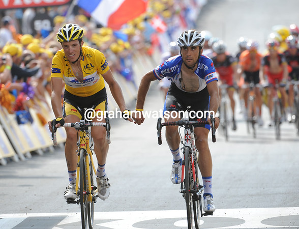 "Chavanel finishes with teamate Carlos Barredo 11' 40"" later..."
