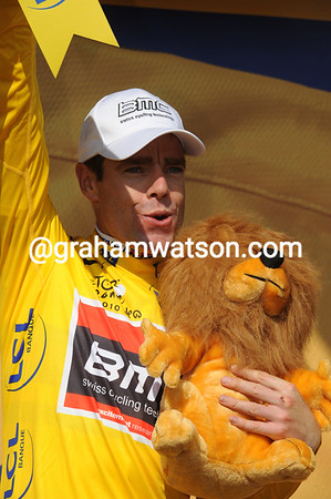 Go Aussie..! Cadel Evans takes the Yellow Jersey but leads Schleck by just 20-seconds...