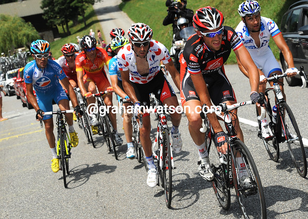 Christophe Moreau leads the eleven escapers up the Col des Aravis - they hold a six-minute lead now...