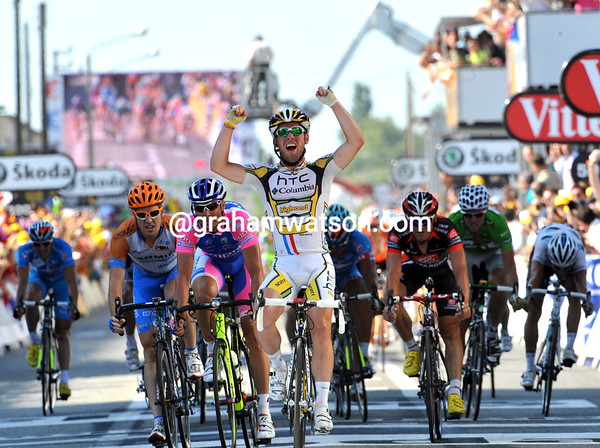 Too easy again - Mark Cavendish wins stage eleven after a bumpy prelude to the sprint from Mark Renshaw and Julian Dean...