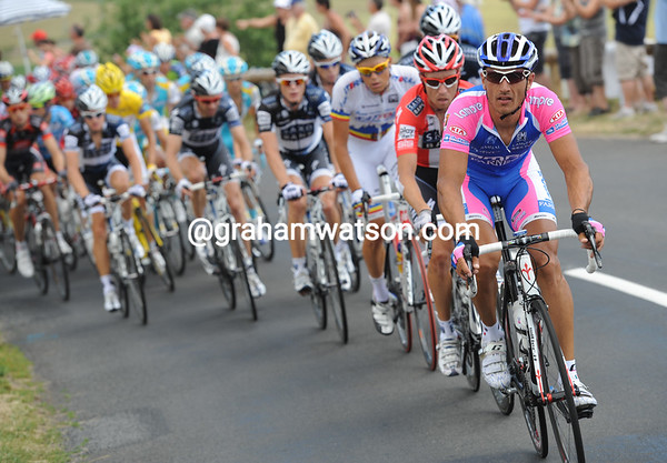 Lampre has started a belated chase to get Hushovd back, but Hushovd will regain the Green Jersey today...
