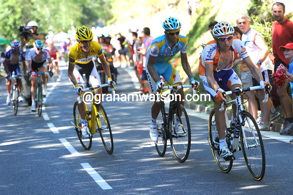 Menhcov senses Contador is not at his best - and nor is Schleck..!