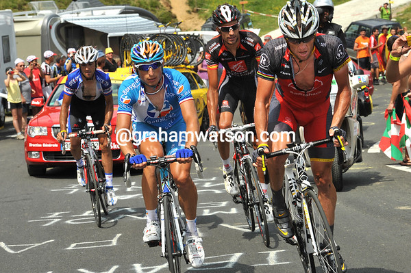 Armstrong is now leading the escape up the Col du Soulor - and accelerating away from some of his companions...