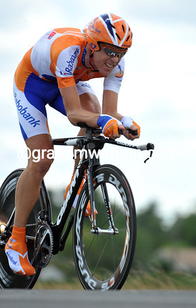 "Koos Moerenhout took 6th place at 3' 03""..."