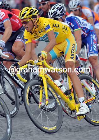 Contador is one lap away from winning a third Tour title...