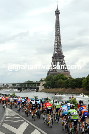 A welcome sight - the Tour arrives into the city, opposite the Eiffel Tower...