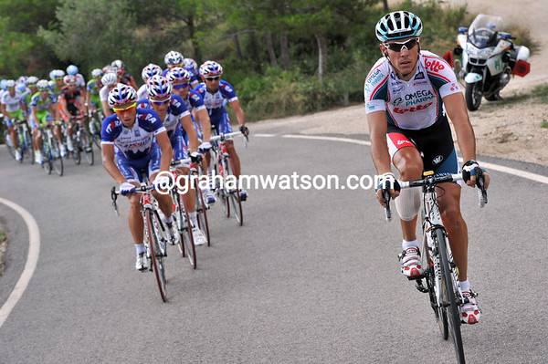 Gilbert has dropped back and is being caught by Katusha...