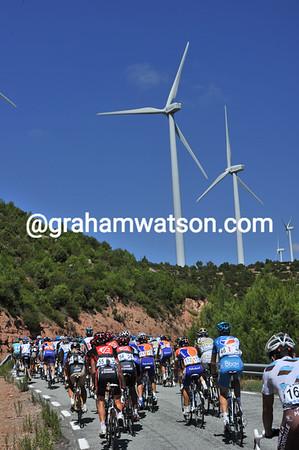 The peloton has finally slowed down on the Alto del Refugio...