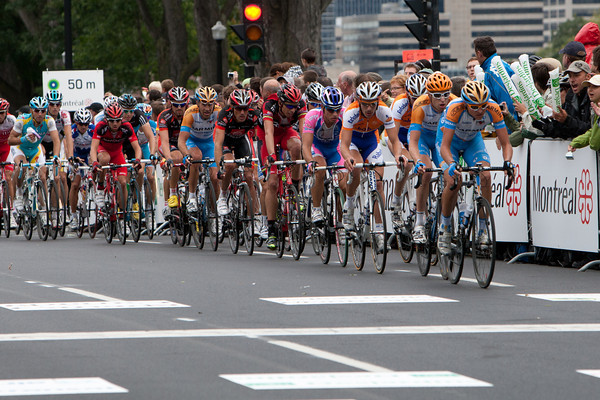 With 5 laps to go, Hesjedal is near the front as the chase continues...