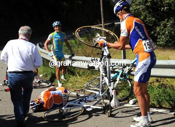 Menchov's speedy escape has caused a nasty crash for teamates Niermann and Ten Dam - Ten Dam abandons the race...